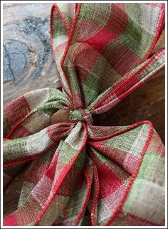 I love anything with a bow. So Christmas time has me happy happy! Here is a very easy tutorial on how to make a Christmas bow. Christmas Ornament Wreath, Christmas Bows, Christmas Decorations To Make, Christmas Crafts, Christmas Ideas, Burlap Christmas, Holiday Decor, Purple Christmas, Outdoor Decorations