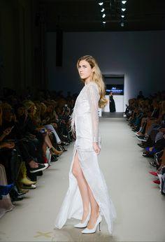 Μάξι κρουαζέ φόρεμα με παγιέτα Formal Dresses, Collection, Fashion, Dresses For Formal, Moda, Formal Gowns, Fashion Styles, Formal Dress, Gowns