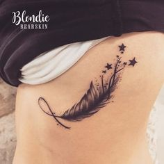 Feather ✨ #tattoo #tatoo #tatouage #feather #plume #etoiles #stars #plumeetoiles #tatouageplume #tatouageetoiles #tatouageplumeetoiles #infini #ink #infinity #infinitytattoo #infinityfeather #ribsink #ribstattoo #inkedribs #tatouagecotes #tatouageinfini #shootingstars #shootingstarstattoo