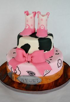 Cowgirl Western Cake All Gum paste and Fondant. The metal stud embellishments are real Western Birthday Cakes, Western Cakes, Cow Birthday, Birthday Ideas, Birthday Parties, Happy Birthday, Cowgirl Baby Showers, Cowboy Baby Shower, Cowgirl Cakes