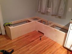 to Make a Custom Breakfast Seating Nook Measure and cut project plywood to fit front of bench. Use brad nailer to attach to frame.Measure and cut project plywood to fit front of bench. Use brad nailer to attach to frame. Banquette D Angle, Banquette Design, Banquette Seating In Kitchen, Dining Nook, Corner Seating, Dining Table, Kitchen Corner Bench, Kitchen Benches, Kitchen Nook