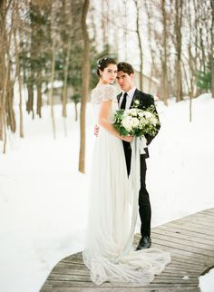 As the holidays near, I think the little kid inside all of is ready for a coating of beautiful white flakes. And when it comes to weddings, we love the fresh and clean backdrop a blanket of snow brings. Case in point? This wintry perfection fromEverswoon,Lindsay Madden,Full Aperture Floraland team. A marryingof rustic and elegant, […]
