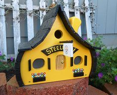 Items similar to Pittsburgh Steelers Birdhouse. on Etsy