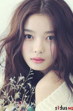 คิมยูจอง (Kim Yoo Jung) - ดาราเกาหลี
