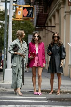 Images of the spring 2020 participants of the New York fashion week - Fashion Trends for Girls and Teens 2020 Fashion Trends, Spring Fashion Trends, Fashion 2020, New York Fashion, Daily Fashion, Autumn Fashion, Ny Fashion Week, Fashion Brand, Trendy Fashion