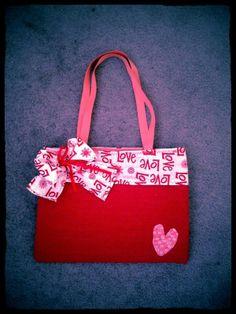 Love Love Love this handbag!