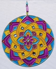 originalyexclusiva | MANDALAS Mandalas Drawing, Dot Painting, Fabric Painting, Cd Crafts, Diy Crafts To Sell, Mandala Design, Mandala Art, Mosaic Glass, Ornaments