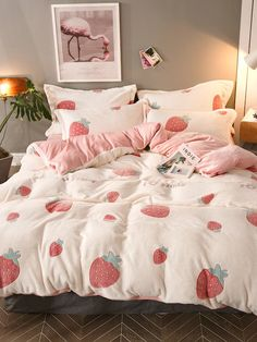 To find out about the Strawberry Print Sheet Set at SHEIN, part of our latest Bedding Sets ready to shop online today! Cute Room Ideas, Cute Room Decor, Dream Rooms, Dream Bedroom, Pretty Bedroom, Pink Bedroom Decor, Shabby Bedroom, Pink Bedrooms, Gold Bedroom