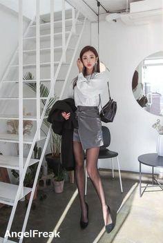 Korean Girl Fashion, Korea Fashion, Asian Fashion, Womens Fashion, Fashion Tights, Denim Fashion, Fashion Models, Asian Woman, Asian Girl