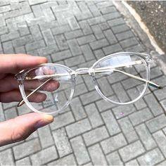 Glasses Frame With Clear Lens For Women blue light cancelling glasses kids glasses online hilary duff eyewear helium glasses Glasses Frames Trendy, Cool Glasses, New Glasses, Transparent Glasses Frames, Vintage Glasses Frames, Fake Glasses, Glasses Style, Circle Glasses, Glasses Trends