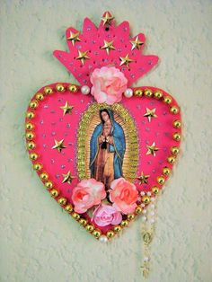 """lovemexart: """" Arte mexicano y kitsch mexico arte virgen de guadalupe our lady of guadalupe kitsch cutura mexican folk art mexican culture """" Mexican Crafts, Mexican Folk Art, Chinoiserie, Tin Art, Deco Originale, Assemblage Art, Heart Art, Sacred Heart, Religious Art"""