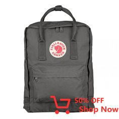 The Fjallraven Kanken Classic Backpack blends style and performance perfectly! In a huge range of quirky colours you will be spoiled for choice, all Mochila Kanken, Marken Logo, Green Bag, Luggage Bags, Backpacks, Sport, Classic, Unisex, Bags