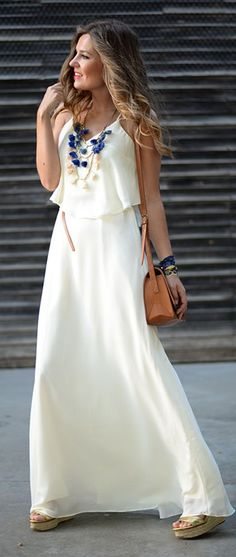 White Maxi Dress Feminine Style by Mi Aventura Con La Moda