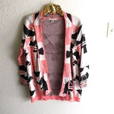 Pink Tribal Sweater Purchased from a boutique. Excellent condition! No flaws to mention. Sweaters Cardigans