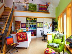 Quilter Jean Well's Sewing Studio.  So colorful and beautiful!!