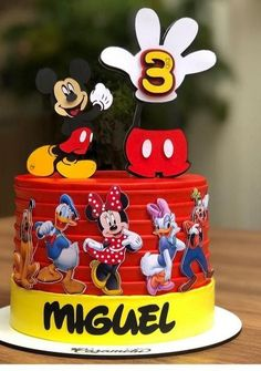 Minnie Mouse Birthday Cakes, Cool Birthday Cakes, Bolo Mickey, Shower Cakes, Amanda, Wedding Cakes, Baby Shower, Cartoon, Decoration