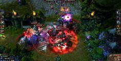 League of Legends (LoL, para abreviar), é um MMO de fantasia em 3D feito pela Riot Games, onde os jogadores escolhem um dos muitos campeões e lutam contra os seus inimigos.