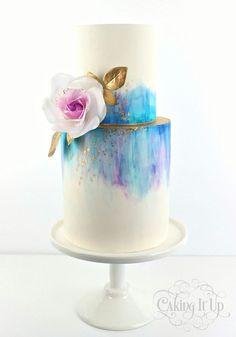Caking It Up: {tranquil tones} Gorgeous blue and purple tones of watercolour featuring a delicate wafer paper rose and a splash of gold. I love the clean beauty of this cake. Gorgeous Cakes, Pretty Cakes, Cute Cakes, Amazing Cakes, Beautiful Birthday Cakes, Fondant Cakes, Cupcake Cakes, Fondant Tips, Bolo Drip Cake