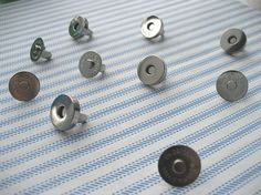 FREE SHIPPING -- High Quality 25 sets of 18 mm Nickel/Silver Magnetic Snap Closures $11.95
