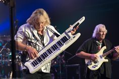 Geoff Downes and Chris Squire of Yes ©Melanie Beus Photography/melephoto 2012 — at Warner Theatre. Yes Music, Chris Squire, Roger Dean, Progressive Rock, Rock Bands, Album Covers, Theatre, Concert, Photography