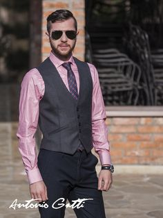 Add some refinement to your outfit with this slim fit waistcoat made of merino wool blend. Men's Waistcoat, Suit Vest, Merino Wool, Wool Blend, Men Casual, Mens Fashion, Suits, Fitness, Outfit