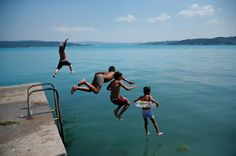 The Black Sea Turned Turquoise, Thanks to a Phytoplankton Bloom - The New York Times