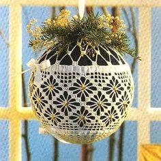 Crochet Christmas Ornament Kissing Ball ~ Pattern available
