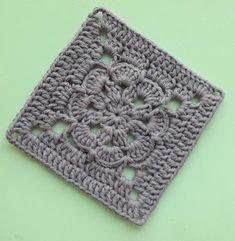 Örgü Bebek Battaniye - Mimuu.com Granny Square Crochet Pattern, Crochet Squares, Crochet Granny, Crochet Stitches, Crochet Hooks, Knit Crochet, Crochet Flower Tutorial, Crochet Flowers, Baby Knitting Patterns