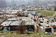 Roms vivent dans ce campement, Sarcelles