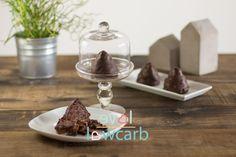 http://love-lowcarb.de/dessert/kokos-granatsplitter-berge/