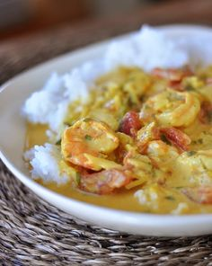 Coconut Shrimp Curry I love coconut and shrimp. with curry. OH YUM Fish Recipes, Seafood Recipes, Indian Food Recipes, Asian Recipes, Great Recipes, Cooking Recipes, Favorite Recipes, Healthy Recipes, Recipies