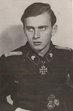 Oberleutnant Cay-Lorenz Baron von Brockdorff