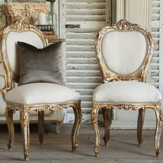 i would love to have two very ornate/vintage/comfy chairs for the sweetheart table and for my dad to sit in for the ceremony. maybe a rental thing or an antique market find:) Antique Dining Chairs, French Dining Chairs, Farmhouse Chairs, Vintage Chairs, Funky Chairs, Cottage Furniture, French Furniture, Luxury Furniture, Home Furniture