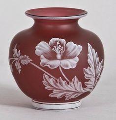 69: Thomas Webb & Sons art glass cameo vase. : Lot 69