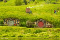 Hobbiton Opening - New Zealand   Flickr - Photo Sharing!