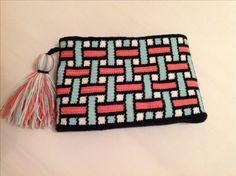 Crochet Clutch Bags, Crochet Wallet, Crochet Handbags, Filet Crochet, Knit Crochet, Crochet Patterns Amigurumi, Crochet Stitches, Crochet Symbols, Creation Deco
