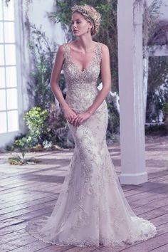 Vestidos de novia con pedrería 2017: Deslumbra a todos invitados el día de tu boda Image: 21