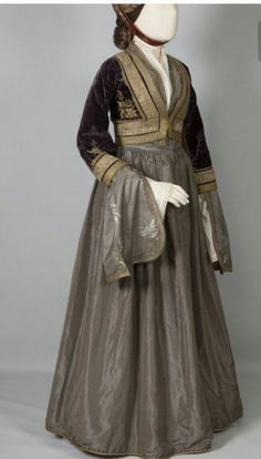 Learn more about the Amalia dress, a traditional folk costume created by Queen Amalia in the that combines elements of European & Greek dress. Greek Traditional Dress, Traditional Outfits, Historical Costume, Historical Clothing, Greek Dress, Mode Alternative, Court Dresses, Medieval Fashion, Folk Costume