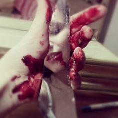 art, awesome, fake blood, epic, wonderful, broken mirror, kickass, photography