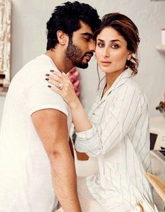 Kareena Kapoor Khan's birthday special: 10 style lessons to learn from this diva Bollywood Couples, Bollywood Stars, Bollywood Fashion, Indian Celebrities, Bollywood Celebrities, Bollywood Actress, Shahrukh Khan And Kajol, Kareena Kapoor Khan, Karena Kapoor