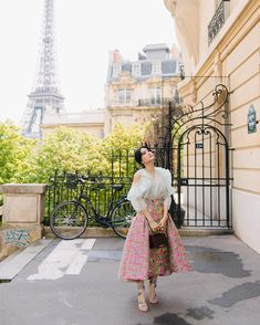 Heart Evangelista's Chic at Paris Couture Week - Star Style PH Classy Outfits, Chic Outfits, Girl Outfits, Fashion Outfits, Fashion Sets, Fasion, Celebrity Style Casual, Celebrity Dresses, Heart Evangelista Style