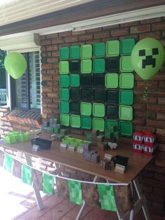 Check out this backdrop at a Minecraft birthday party! See more party planning… Minecraft Party Decorations, Birthday Party Decorations, Party Themes, Minecraft Party Ideas, Minecraft Cupcakes, Lego Minecraft, Minecraft Crafts, Minecraft Skins, Minecraft Buildings