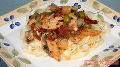 Spaghetti, Chicken, Meat, Ethnic Recipes, Food, Essen, Meals, Yemek, Noodle