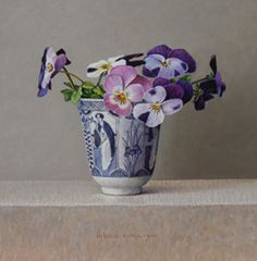 Ingrid Smuling, Violets in a Chinese Vase Blue Painting, China Painting, Floral Illustrations, Illustration Art, Funeral Flower Arrangements, Hyper Realistic Paintings, Still Life Flowers, Art Japonais, Floral Artwork