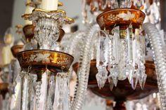 Detalle de lámpara Mallorquina , filos bañados en oro, cristales tallados a mano.