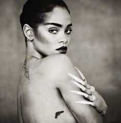 Paolo Roversi Photo Exhibit Includes Unseen ANTI-Era Rihanna Photographs | SNOBETTE