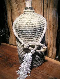 Find everything but the ordinary Farm Crafts, Rope Crafts, Diy Arts And Crafts, Western Crafts, Western Decor, Rope Lamp, Rope Decor, Fishing Chair, Western Furniture