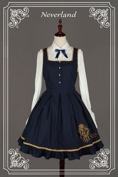 Soufflesong is an indie Lolita fashion brand based in China. We design and sell our own lines of Gothic, Classic and Sweet Lolita fashion to worldwide. Pretty Outfits, Pretty Dresses, Beautiful Dresses, Cool Outfits, Kawaii Fashion, Lolita Fashion, Cute Fashion, Old Fashion Dresses, Fashion Outfits