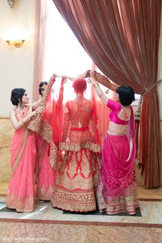 Here on Maharani Weddings' website, you'll find all you need to create your perfect Indian wedding - from decor and makeup ideas to lists of the best vendors near you Page 4 Indian Wedding Fashion, Indian Wedding Outfits, Bridal Outfits, Wedding Attire, Indian Bridal, Desi Wedding, Wedding Looks, Bridal Looks, Wedding Bride