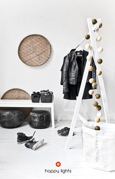 Only Deco Love: Happy Lights Giveaway! Totems, Home Interior, Interior Architecture, Le Logis, Cotton Ball Lights, Happy Lights, Teenage Room, Closet Designs, Interiores Design